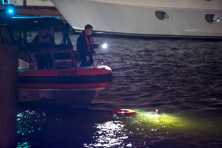 Submerged vehicle in Lakeview canal