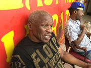 Championship trainer Floyd Mayweather Sr. wraps up Blues Gym visit