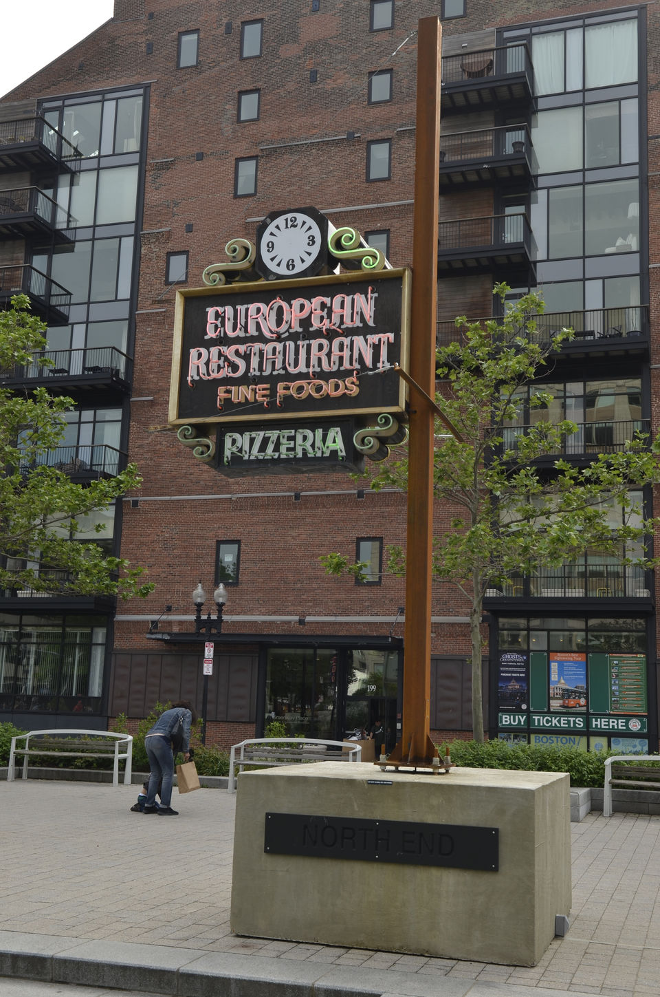 See The Restored Neon Signs Light Up Bostons Greenway Masslivecom