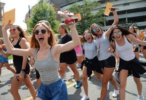 Nearly 2,000 women received bids during the culmination of the University of Alabama's sorority recruitment week, as this year's Bid Day saw a large crowd on a sweltering Sunday at the Capstone. Of the 2,183 women who attended the first round of events for Fall 2018 formal recruitment at UA, 90 percent (1,957 women) received bids from the 16 Panhellenic sororities that participated in recruitment. This year's number did not see the school's largest-ever class for the first time in years, following 2016's record-breaking pledge class of 2,488. The number is even down from 2017, when UA saw 2,338 women receive bids out of the 2,589 who participated in recruitment. See photos from 2018 Bid Day festivities below.