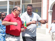 40 years after Larry Holmes' prize fight, Easton celebrates again with the champ