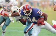 Twitter reacts to Buffalo Bills retiring Thurman Thomas' No. 34 jersey