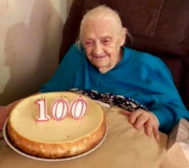 'Girl with the golden hands' born on historic street in Manhattan turns 100