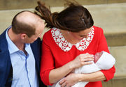 Prince charming: Kate Middleton gives birth to boy (photos)