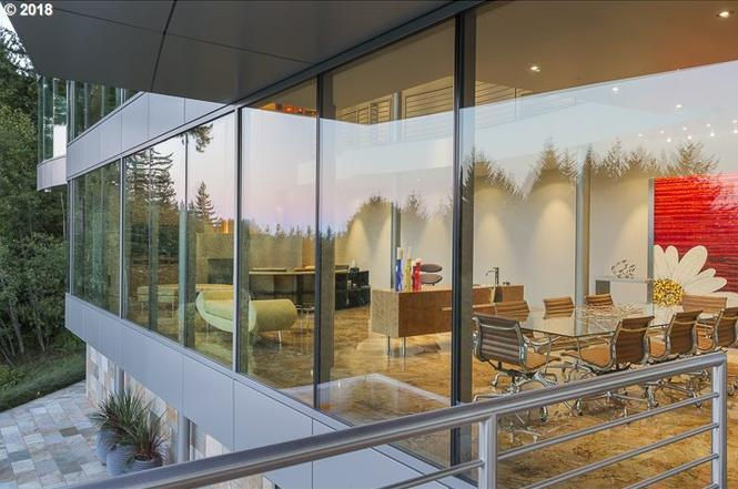 Monster modern homes for sale: When glass goes unchecked (photos)