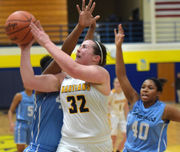 Flint-area girls basketball roundup: Goodrich's Maddie Voelker explodes for 40 points