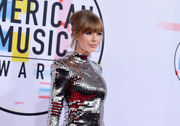 American Music Awards 2018: They wore that? Fashions and photos from the red carpet
