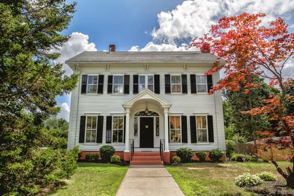 House of the Week: Historic Longmeadow home features modern ...