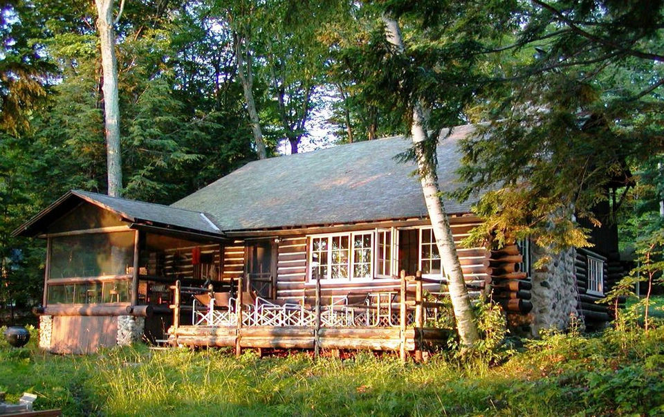 6 historic log cabin vacation rentals in michigan mlive com rh mlive com lake michigan cabin rentals lake michigan cottage rentals