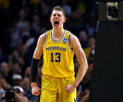 Fans more confident Wolverines can win NCAA Tournament after blowout over Texas A&M
