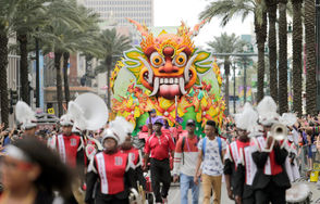Throws are the most important thing to lay your hands on at Mardi Gras parades, but food and drinks run a close second. No matter where you are along the New Orleans route, our guide will keep you fed, hydrated and buzzed until the fire trucks arrive.