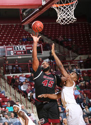 UMass men's basketball suffers first loss of the season to Harvard, despite 36 points from Luwane Pipkins