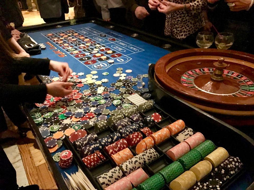 Staten Island Nightlife: Casino Di Venezia at Casa Belvedere Friday a mega hit