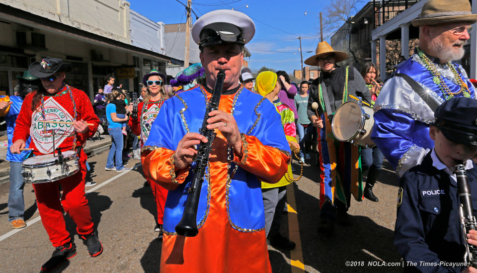 Covington Lions & Mystic Krewe of Covington parades on Mardi Gras day