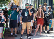 Nick Foles 'amazed' by turnout of fans at Harrisburg, Lancaster book signings
