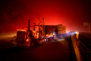 I-5 closed in northern California as wildfire rages