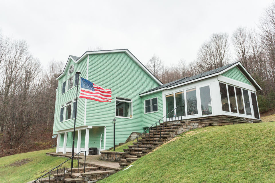 House of the Week: Otisco home offers private country living