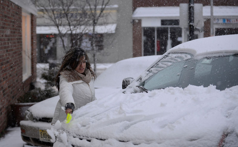 17 winter driving safety tips to protect your car and save
