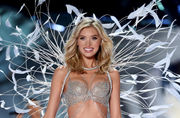 Does the Victoria's Secret Fashion Show need to embrace curvy models?