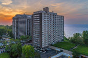 Lakewood's Marine Towers West has stellar views of Lake Erie: Apartment of the week