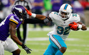 Frank Gore ready to show Kenyan Drake 'the way to be a pro'