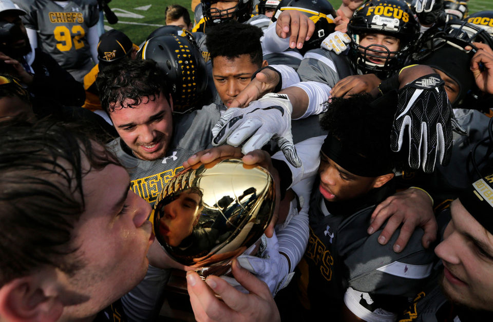Undefeated Piscataway runs its way past Ridgewood for North Group 5