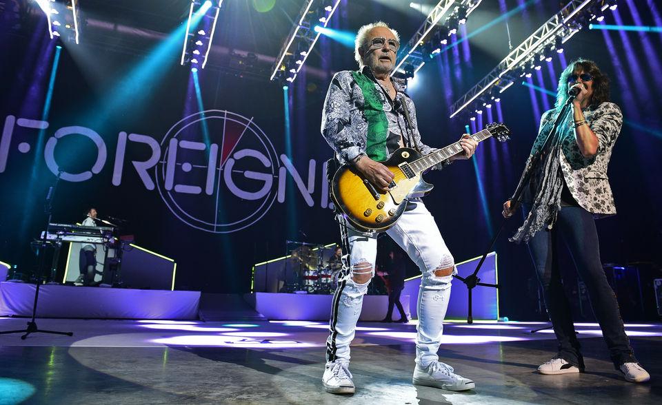 foreigner fans furious original singer lou gramm didn u0026 39 t
