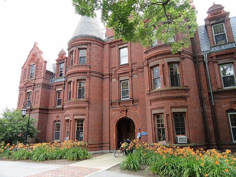 <ul>   <li>Wellesley</li>   <li>2,344 undergraduates</li>   <li>$60,100 per year</li> </ul> <p><br></p>