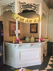 Champagne and Pearls Lemonade Stand helps students start school year right