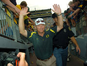 Ranking the Oregon Ducks and Washington Huskies football coaches best to worst in the Fur 'n Feathers rivalry