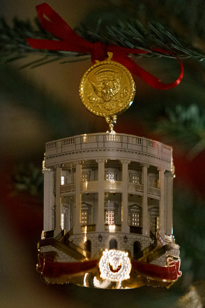White House unveils holiday decor: See photos of the decorations