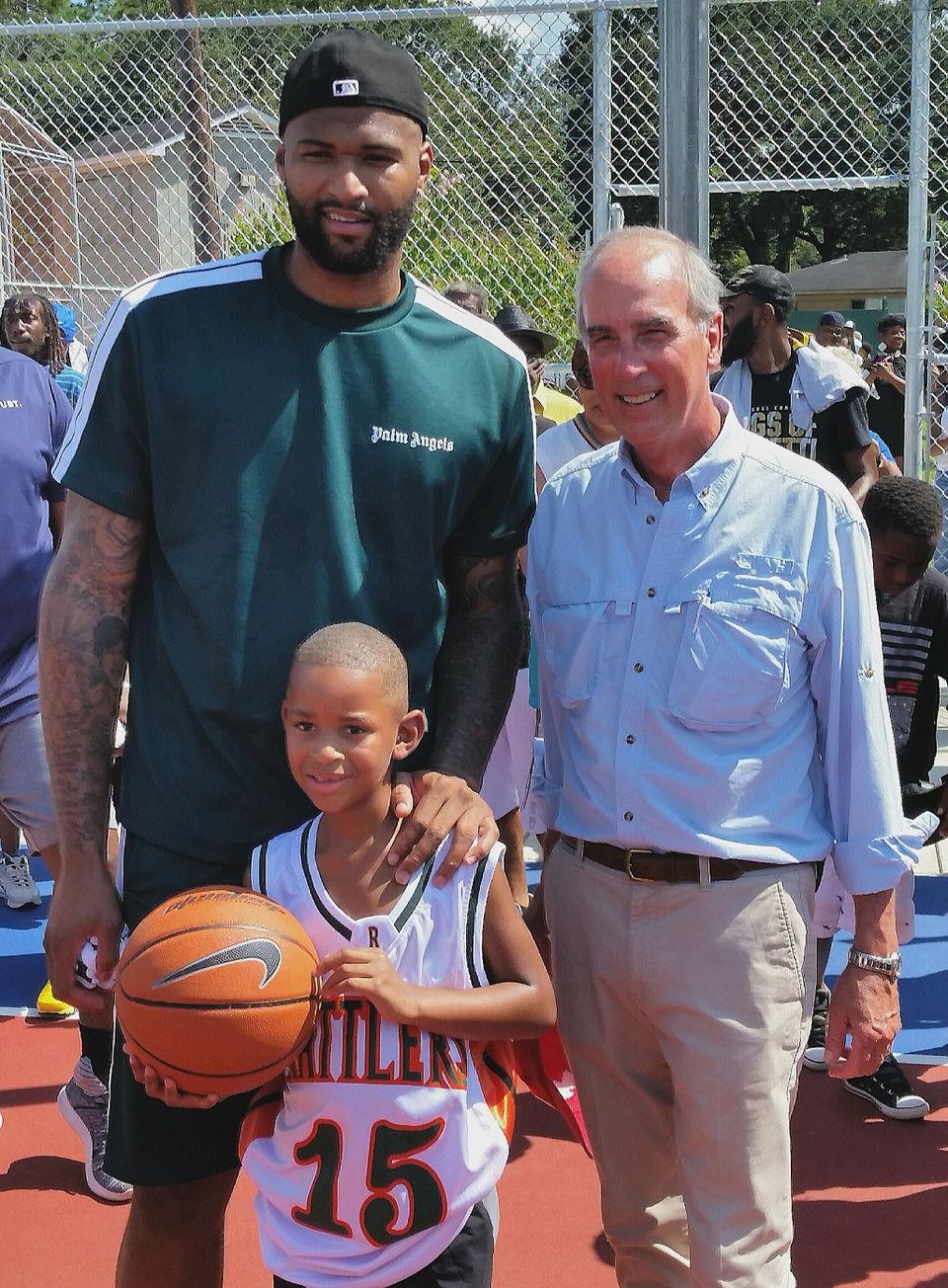 wholesale dealer 5f76c ca3f3 DeMarcus Cousins returns to dedicate park basketball court ...