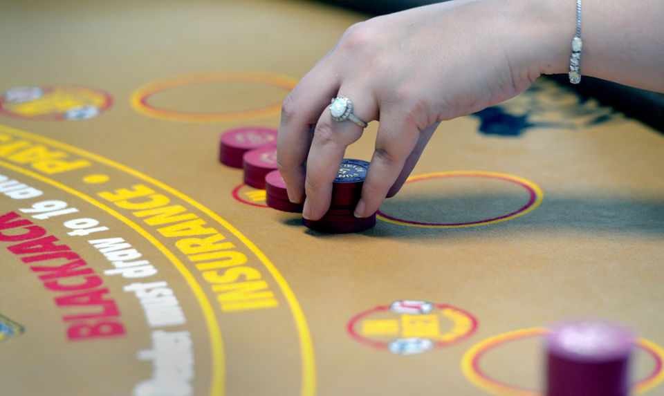 Winning strategy: How to play blackjack
