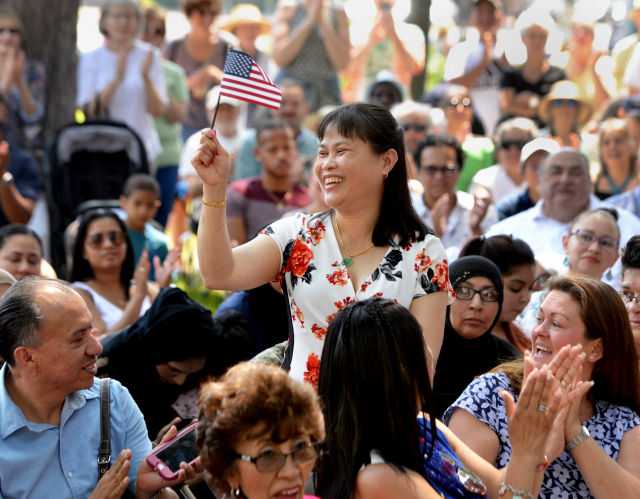 53 immigrants become U S  citizens at July 4 ceremony in