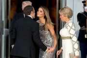 At state dinner, first lady Melania Trump seems at ease