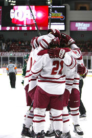 John Leonard, UMass hockey dominate Vermont 5-1 in Game 3 of series to advance to Hockey East Quarterfinals
