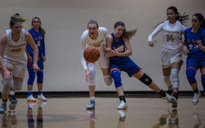 Cameron Brink had a game-high 29 points, McKelle Meek added 19, and Southridge cruised past La Salle Prep for a 76-55 victory in a showdown between Oregon girls basketball powers Tuesday at Southridge High School in Beaverton. Maya Hoff added nine points for the two-time defending state champion Skyhawks (3-1), who bounced back from Friday's 54-50 loss to Tigard. The Tigers passed Southridge for the top spot in this week's Class 6A girls coaches poll. Addison Wedin had 21 points to lead the Falcons (1-2), who were without star point guard Alyson Miura. Photos by Andrea Corradini, for The Oregonian/OregonLive