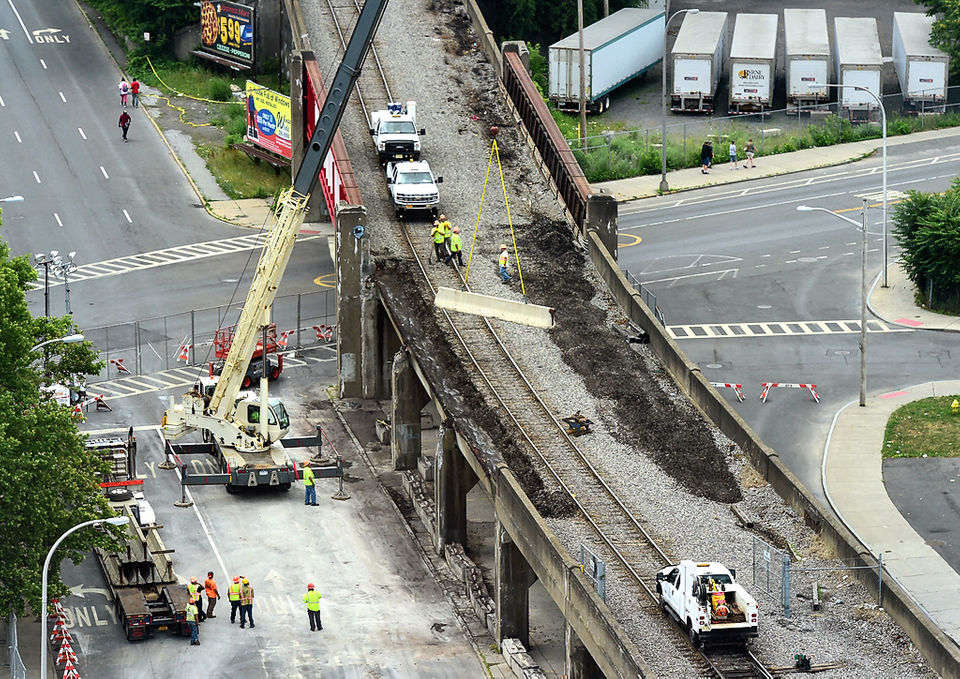 Rail traffic to resume over Syracuse bridge that partially collapsed