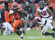 Nick Chubb makes history with a little help from his friends: Browns play of the week
