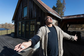 Take a tour of Actor and musician Jim Belushi's 93-acre Southern Oregon farm on the Rogue River.