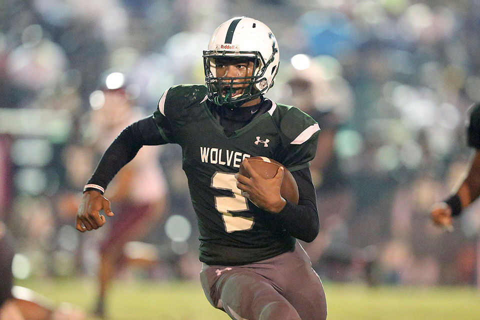 Vigor 39, Citronelle 0: Top-ranked Wolves smother Wildcats to stay unbeaten