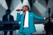Love was in the air--and crowd--at John Legend's Turning Stone Christmas show (review)