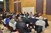 Adolescentes de Springfield, padres y líderes políticos exigen reunión con Smith & Weson por violencia armada