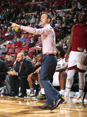 UMass men's basketball drops third straight, falls at St. Louis, 65-62