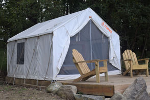 A Lower Mount Bethel Township couple are fighting to keep their Tentrr campsite from being shutdown.