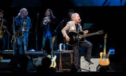 Paul Simon says goodbye to Oregon fans with a gift for Outdoor School