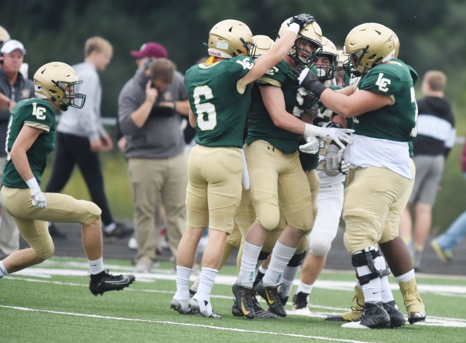 Live updates from Michigan high school football games for