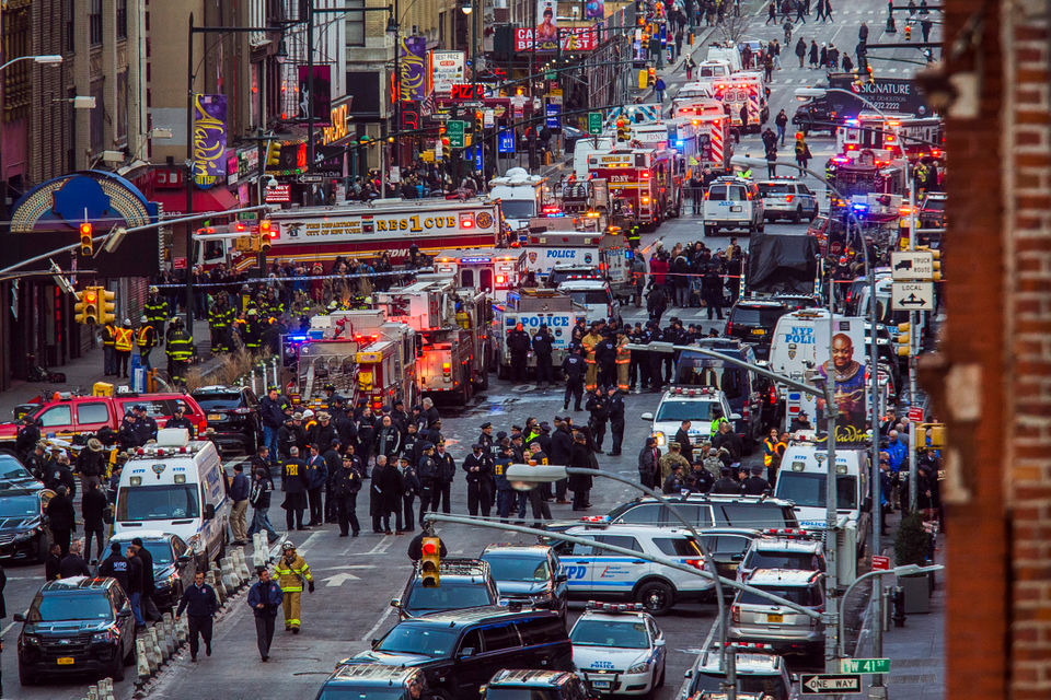 New York explosion: Man detonates pipe bomb in 'attempted terrorist attack' at Port Authority Bus Terminal (cnn.com)