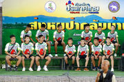 Boys rescued from Thai cave apologize to parents, talk about becoming divers