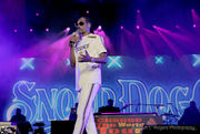 Rapper Snoop Dogg goes gospel at Essence Fest 2018 -- no lie
